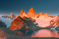 All is red - El Chalten (Captures.ch) Tags: 2016 alpenglow argentina black blue brown bushes captures dawn december elchalten fitzroy glacier gray ice laguna lagunadelostres lake landscape morning mountains nature orange panorama red sky snow southamerica stones travel trees water white yellow