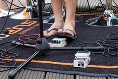 Das Finale - Radio Eins auf dem Dach des Stilwerks 06 (Sockenhummel) Tags: berlin fuji sommer flipflop finepix dach füsse rbb x30 fus stilwerk fujfilm radioeins dachbar füse kantstrase fujix30 pauseapplause sommeraufdemdach radioneinsaufdemdach