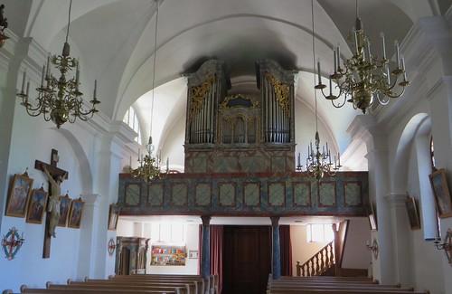 Eglise baroque de la Trinité (1674-1678), village de Fontana, Tarasp, commune de Scuol, Basse-Engadine, Canton des Grisons, Suisse.