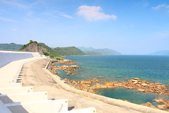 IMG_6959 -  Tolo Channel (Mak_Ho) Tags: sea mountain nature clouds canon landscape photography hongkong scenic wave hike      tides newterritories spillway       plovercovereservoir hongkonglandscape  tolochannel scenicphoto   700d    rockyshoreecology