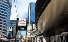 """Jeudi 10 septembre 2015.Yonge-Dundas Square, croisement de Yonge Str et Dundas Str, 2 des rues les +frquentes de ville.Construite  l'emplacement d'1 ensemble de btiments dtruits dans cadre  programme rnovation centre-ville. """"Times Square"""" de Toronto (areims) Tags: toronto ontario canada dundassquare"""