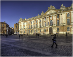 Place du Capitole (Luc V. de Zeeuw) Tags: france luc toulouse midipyrnes placeducapitole dezeeuw lucvdezeeuw lucdezeeuw