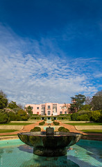 Serralves | Porto (joofccampos) Tags: blue sky cloud water mansion simetric perspectiv
