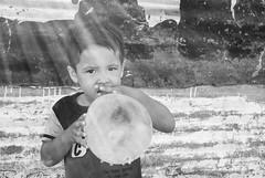 Retratos de Esperanza (nahuelbuy) Tags: retratos esperanzas portrait hope nios kids child globe funy gracioso divertido