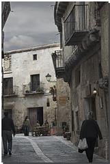 SEGOVIA, PEDRAZA, PAISAJE URBANO (Lorenmart) Tags: segovia pedraza arquitecturacastellana arquitecturarural arquitecturapopular castillayleon espaa spain lorenmart canoneos550d nwn