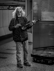 Clark/Lake Tranfer (piano62) Tags: chicago streetscenes streetpeople streetportraits cta subway blueline nikond750 nikon85mmf18g