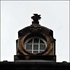 12 - Bayeux, Rue de Saint-Malo, il-de-buf (melina1965) Tags: normandie calvados bayeux octobre october 2016 faade faades ciel sky fentre fentres window windows