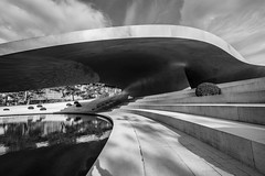 gentle curves (Blende1.8) Tags: architektur architecture autostadt wolfsburg contemporary urban building porsche curves curve line lines perspective wideangle variotessar16354za 1635mm sony alpha ilce7m2 a7m2 a7ii carstenheyer modern