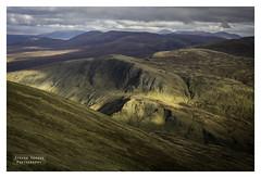 A Touch of Light (Steven Fergus) Tags: beinnachaladair beinnachreachain highlands landscape scotland d7100 hillwalking hills mountains munro photography scenery scenic stevenfergus