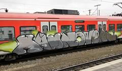 Graffiti Derby (Honig&Teer) Tags: graffiti honigteer hildesheim streetart spraycanart sport sbahn steel hauptbahnhof eisenbahngraffiti railroadgraffiti train treno trackside traingraffiti trainart