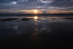 Walking on the beaches... (he2015) Tags: sunset step klongdao thailand sky clouds clodporn canon walker silhouette sea ocean seascape seaside vacation walk life man trace horizon colors colours reflection dunes