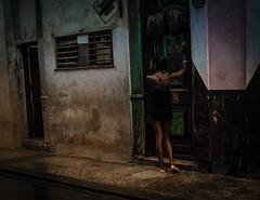 Streets of Havana - Cuba (IV2K) Tags: street woman girl zeiss 35mm dark sony havana cuba centro fidel caribbean cuban habana kuba fidelcastro lahabana rx1 caastro