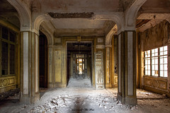 ehemaliges Verwaltungsgebäude (Discovering The Past) Tags: abandoned lost iron kohle bureau urbex
