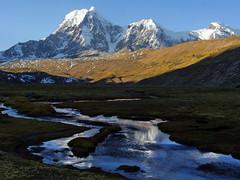 Nevado Jatunpampa - 6093 mts. (Mono Andes) Tags: andes per cordilleravilcanota ausangatetrek reflejo jatunpampa