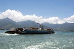 _TEF8416 (Edson Grandisoli. Natureza e mais...) Tags: regiosudeste litoral balsa canal transporte carro martimo