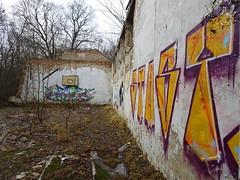 Tressow (fchmksfkcb) Tags: tressow plschow everstorf kalkhorst mecklenburgvorpommern mecklenburg mecklenburgwesternpomerania nordwestmecklenburg lostplace leerstand ruins ruine