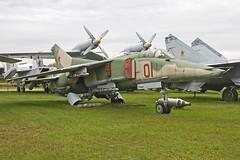 MiG-27 at Monino (atg3v) Tags: mikoyan mig mikoyangurevich mig27 flogger военновоздушныесилы военновоздушныеcилыроссии москва́ russia russiaaf russiaairforce moscow monino aviation bomber 01red soviet sovietaf sovietairforce