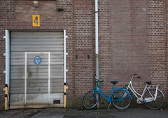 4 (=Mirjam=) Tags: nikond750 desnorfabriek expositie art photos utrecht industrieelerfgoed ns loods wall stones bicycles blue 4 four brick november 2016