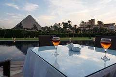 Gizah, Egypt (stefan_fotos) Tags: afrika architektur hotel kairo licht menahouse pyramide qf reisethemen sonnenuntergang urlaub hq ägypten egypt africa cairo pyramid ancient