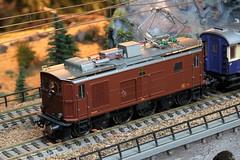 Modell BLS Lötschbergbahn Lokomotive Ce 4/4 Nr. 311 ( Hersteller Modell Rivarossi - Original SLM Nr. 2693 - Baujahr 1919 - Ex Ce 4/6 311 - Übernahme Dekretsmühle ) auf einem Modell der Gotthardbahn im Kanton Bern der Schweiz (chrchr_75) Tags: albumzzz201611november christoph hurni chriguhurni chrchr75 chriguhurnibluemailch november 2016 albummodellbahnenderschweiz modell modellbahn modelleisenbahn modellbau schweiz suisse switzerland svizzera suissa swiss