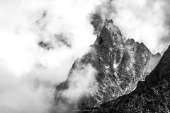 La Nonne se Dvoile (N/B) (Frdric Fossard) Tags: esquisse texture nature ciel brume cime crte arte lanonne granite rocher paroi picdemontagne alpes hautesavoie massifdumontblanc flancdemontagne art abstrait surraliste blackwhitepassionaward