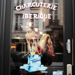 Charcuterie Ibrique (jmvnoos in Paris) Tags: door paris france ads advertising pub fuji ad reflet fujifilm porte pubs reflexions reflexion publicit reflets orangina 250 naturellement charcuterie lemarais pulpeuse ibrique naturellementpulpeuse jmvnoos x100t charcuterieibrique