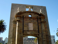 Puerta de la Ciudadela (Gijlmar) Tags: door southamerica uruguay puerta porta porte montevideo tr deur amricadosul montevidu uruguai drzwi amriquedusud zuidamerika  amricadelsur sdamerika dvee sydamerika amerykapoudniowa americameridionale urugwaj amricadelsud jinamerika dlamerika gneyamerika