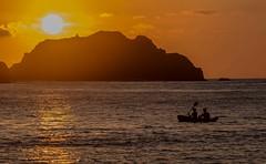 ... (pmenge) Tags: contraluz barco fernandodenoronha remo pds 100400 praiadoporto 7dii