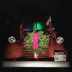 #jamestownri #merrychristmas #dodge #firetruck (RhodeApple) Tags: christmas ri square island firetruck wreath squareformat dodge block merry jamestown lark iphoneography instagramapp uploaded:by=instagram