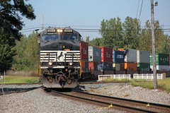 Stack Train Coming (craigsanders429) Tags: norfolksouthern bucyrusohio stacktrains ns9664 norfolksoutherntrains intermodaltrains nssanduskydistrict nsstacktrains