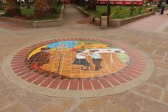 """Decoraciones en el suelo del parque de Nobsa • <a style=""""font-size:0.8em;"""" href=""""http://www.flickr.com/photos/78328875@N05/23793366805/"""" target=""""_blank"""">View on Flickr</a>"""