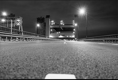 Inspectie ramps Botlekbrug A15 (Peterbijkerk.eu Photography) Tags: alanesa15 a15 botlek botlekbrug ijsselmonde rotterdam vondelingenplaat inspectie peterbijkerkeu verhardingsonderzoek botlekrotterdam zuidholland nederland nl nachtfotografie bridge hefbrug spoorbrug zwartwit bw blackandwhite