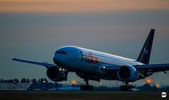 Boeing 777F - FedEx - LFPG (Werner Espie) Tags: paris charles de gaulle cdg lfpg boeing 777f fed ex fedex federal express landing sunset