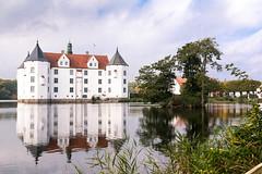 Glücksburg Castle in autumn (thomas.kopf) Tags: glücksburg schloss castle