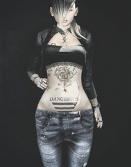 Dangerous Girl (AA Style ) Tags: excellence hipsterstyle ilaya legalinsanity realevil shi shinyshabby thecrossroadsevent uber secondlife