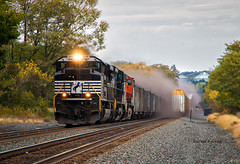 How to Make Environmentalists Cry (Wheelnrail) Tags: ns norfolk southern coal train beloit ohio trains fast flying emd sd70ace action