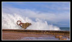 DONOSTI - OLAS EN EL PEINE (MONTXO-DONOSTIA) Tags: olas marejada fuerza vienro espuma peinedelviento donostia sansebastian montxodonostia