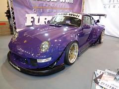 Porsche 911 (911gt2rs) Tags: messe motorshow show event tuning tief low stance widebody bodykit 993 spoiler luftgekühlt aircooled lila purple sportwagen coupe rauh welt begriff turbo carrera 2 4