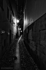 Lissabon BW (Lothar Heller) Tags: lissabon lisboa portugal bw blackandwhite blanconegro schwarzweiss monocrome night city urban