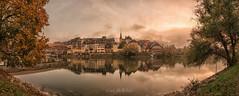 Bren an der Aare (McWhite) Tags: sunset river aare sky fog autumn herbst green tree water mirror