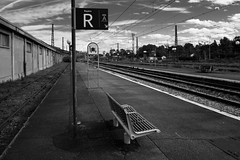 Retour en gare (Stephane Rio 56) Tags: pau france rue aquitaine pyreneesatlantiques nb europe bw street