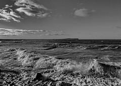 Ostsee (Wunderlich, Olga) Tags: ostsee rgen insel mecklenburgvorpommern wellen himmel wolken hiddensee seelandschaft natur landscape nature strand sand steine