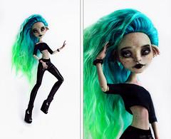 Cyan for the photo-contest (Klio.13) Tags: monsterhigh monster high mattel ooak custom customdolls dolls dollphotography toyphotography toys repaint reroot rochellegoyle cyan handmadeoutfit