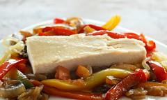 Lomos de atn con Piperrada Alta (OLASAGASTI CONSERVAS) Tags: recipes tuna atun recette thon tradicional traditionalfood receta tradizionali traditionalrecipe atnclaro recetastradicionales