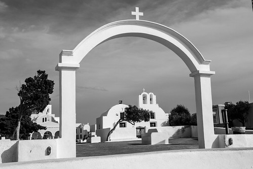 Oia church b/w