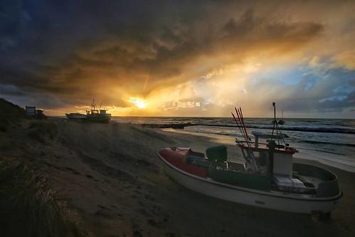 #sunset #boat #strand #danmark #Lønstrup