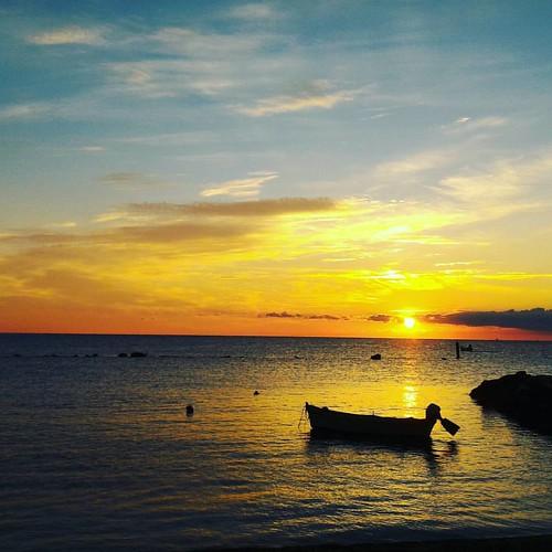 #alba #sunrise #numana #conero #rivieradelconero #nofilter #cloud #cloudporn #partenza #canoa @igliannacci pronto per la prossima?
