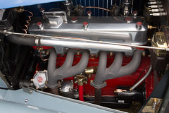 SCE_8731 (staneastwood) Tags: staneastwood stanleyeastwood morrisregister morris oxford vintage car vehicle afj191 mgpa mg sportscar tourer engine manifold sparkplug rockercover