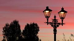 weerfoto van 18 oktober 0800 (Omroep Zeeland) Tags: zonsopkomst lantaarn