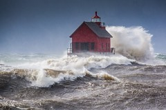 The reason for a catwalk . . . (Dr. Farnsworth) Tags: storm waves huge lakemichigan lighthouse monster channel grandriver northshore grandhaven mi michigan fall november2016 nationalgeographic ngc